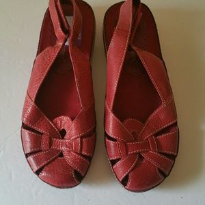 BareTraps Shoes - Baretraps Red Friendly Sandle Size 7